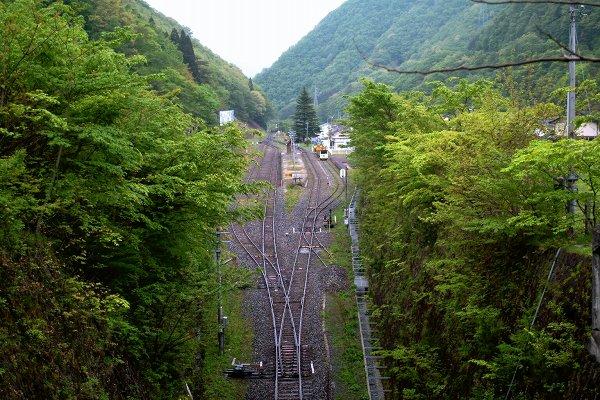 陸中大橋駅 上り発車